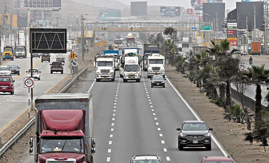"""Muñoz evaluará extender otra vez marcha blanca al """"pico y placa"""" para camiones"""
