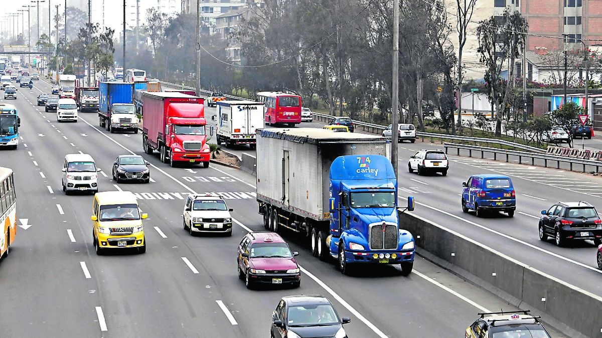 """""""Pico y placa"""" a camiones empieza en ocho distritos a partir de hoy"""